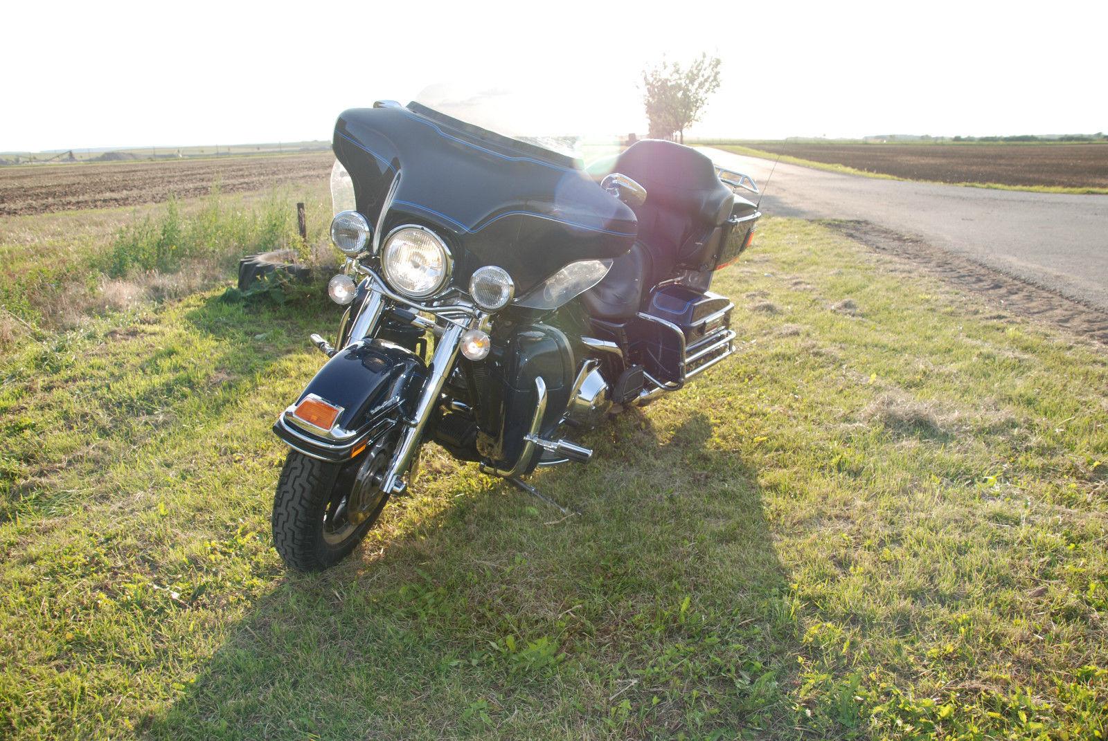Motorrad: Harley Davidson FLHTCUSE Ultra Classic Electra Glide um ...